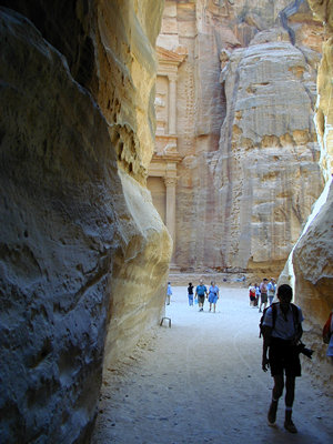 The siq - Petra, Jordan